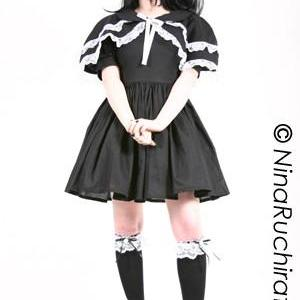 Sweet Gothic Lolita Dress and Capel..