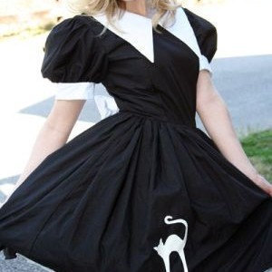 Witch Costume Halloween Witch Cute Salem Witch Dress Black with White Pointed Collar and Bow with Cat Applique Womens Small